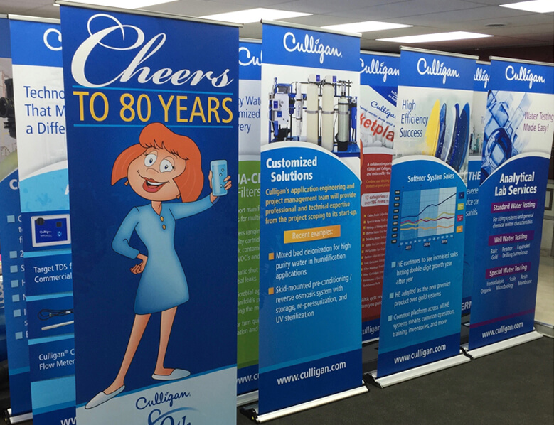 Retractable banner stands_main photo